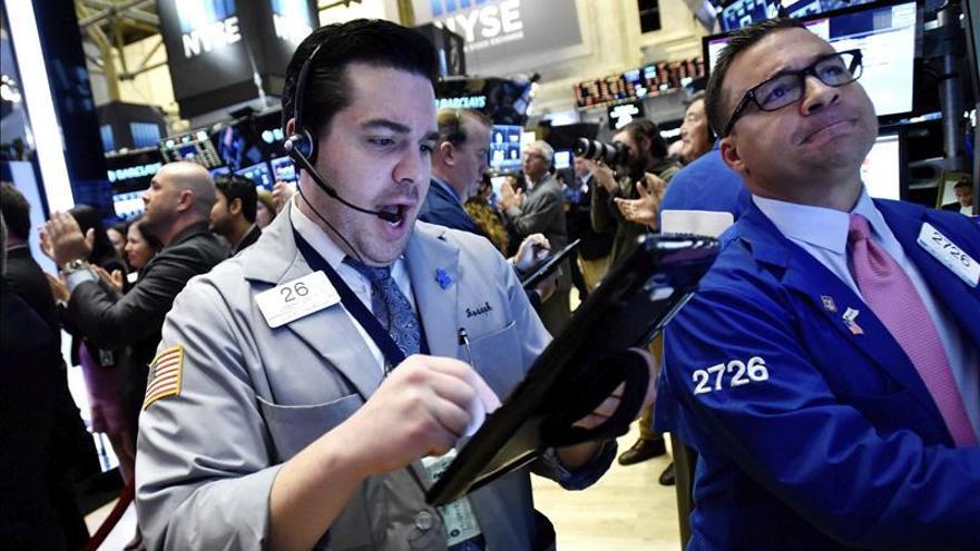 Wall Street abre a la baja y el Dow Jones cede un 0,22 por ciento