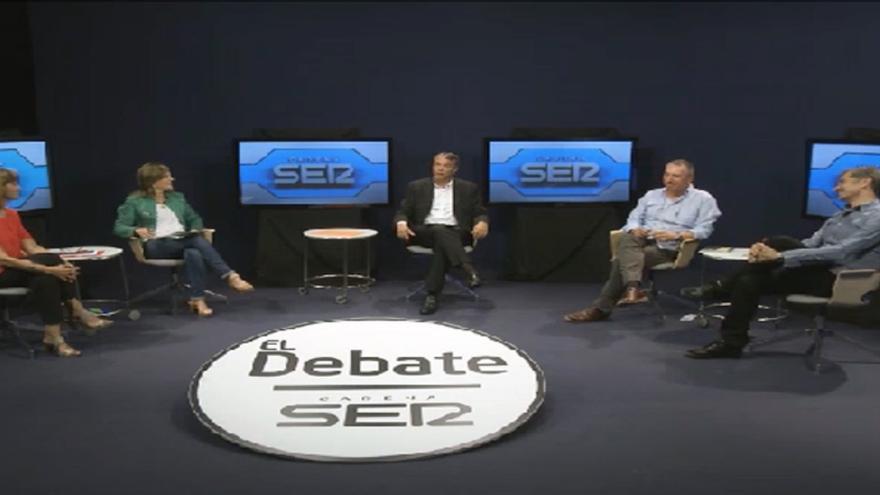 Un momento del debate a cuatro organizado por Radio Valencia en la Universitat de Valencia