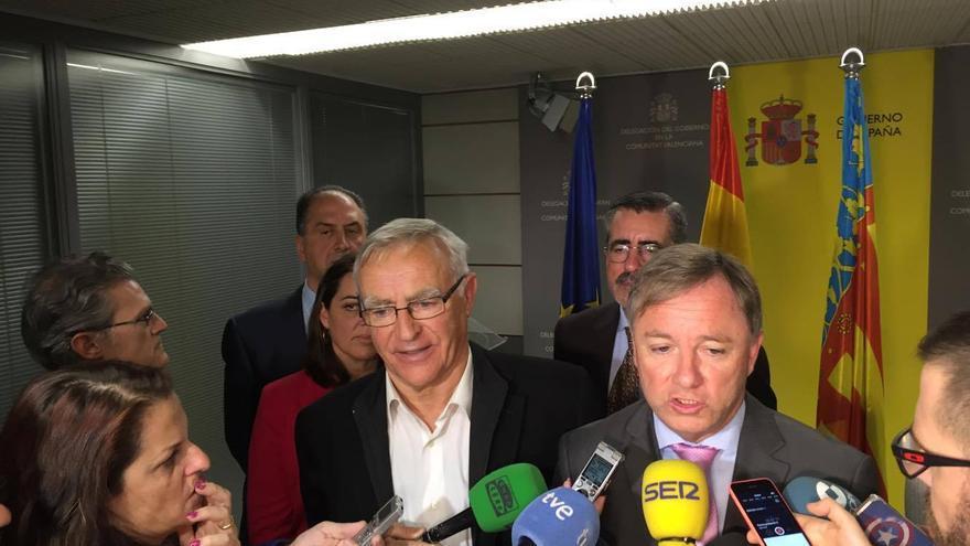 El delegado del Gobierno, Juan Carlos Moragues (derecha) y el alcalde de Valencia, Joan Ribó