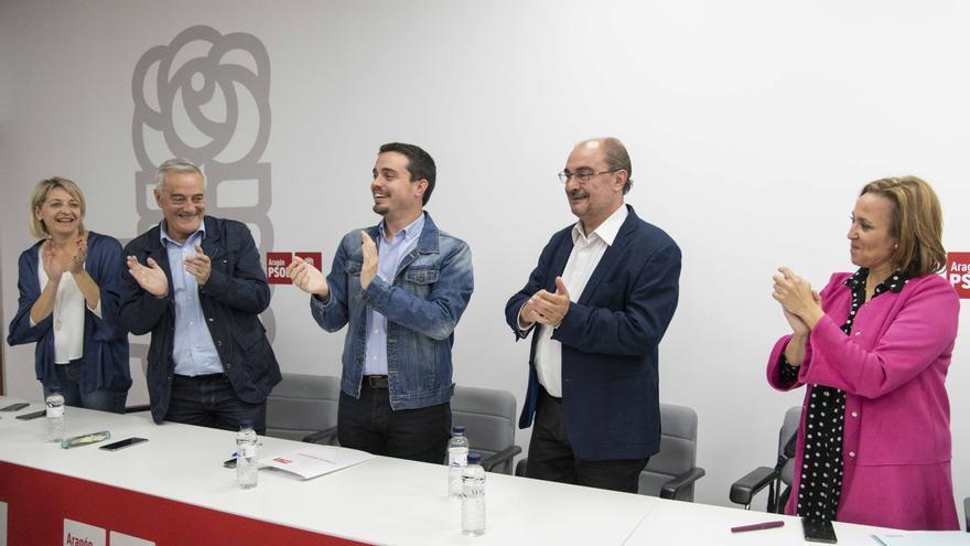 Lambán ha sido recibido con aplausos en la Ejecutiva del PSOE Aragón.