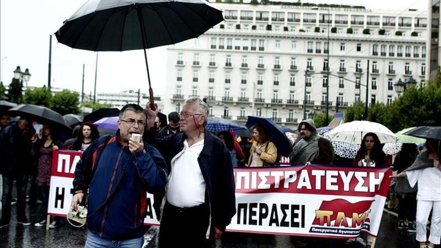 Nuevas protestas y paros en solidaridad con los profesores griegos