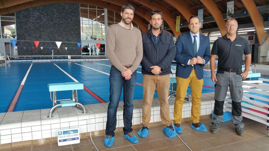 De izquierda a derecha, Daniel Rodríguez, Borja Perdomo, Jonathan Felipe y el responsable de la empresa Multisistemas E2, este martes, en las instalaciones de Baltavida.