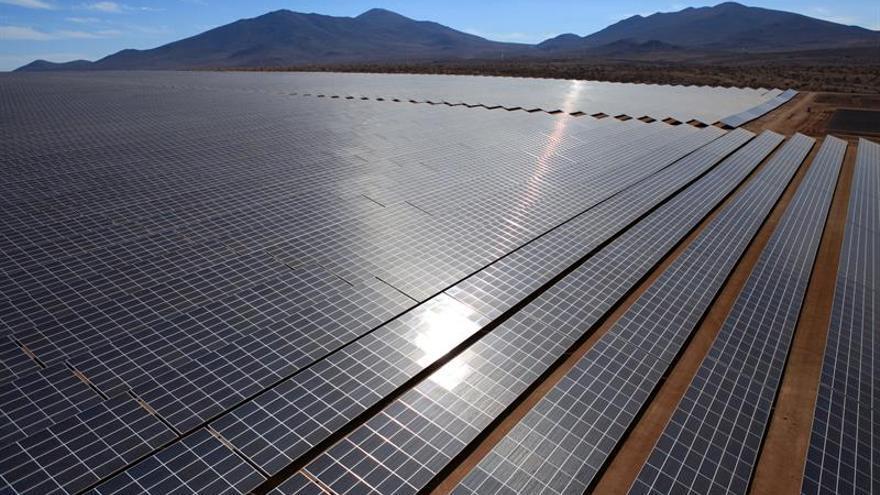 Acciona inaugura en el desierto Chile la mayor planta fotovoltaica de Latinoamérica