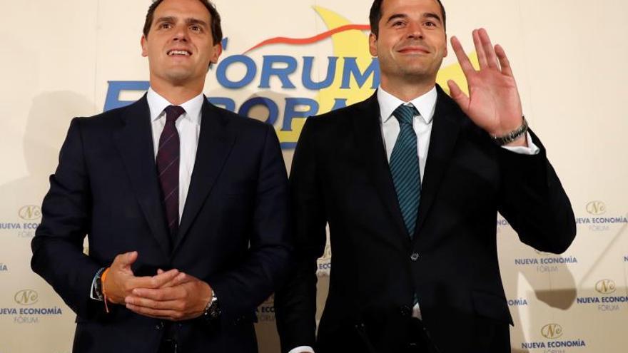 Rivera replica a Rajoy: Si rebasar al PP es ser bisagra, el PP es una tuerca
