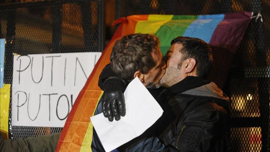 Agencia de EE.UU. propone suprimir prohibición que impide a gais donar sangre