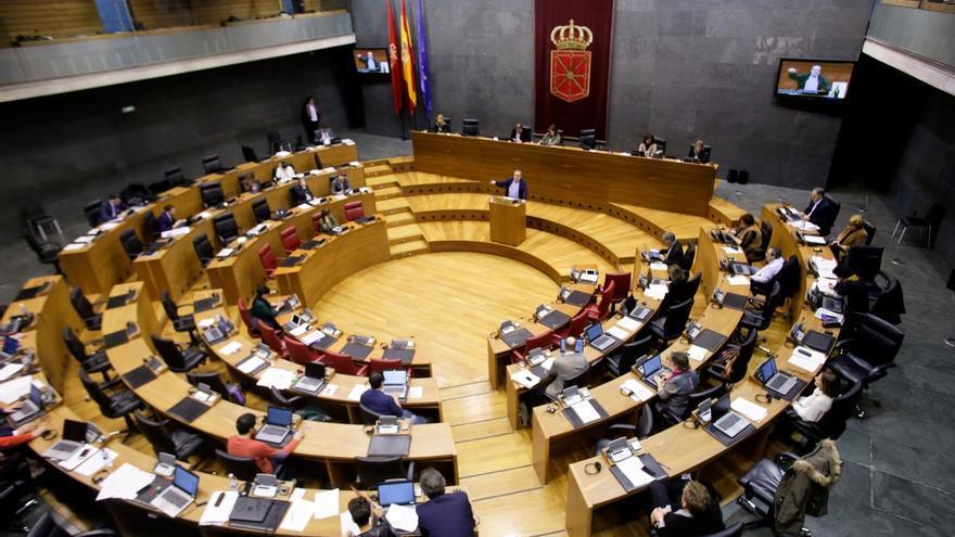El Parlamento de Navarra aprueba la ley para que los bancos paguen el impuesto de las hipotecas