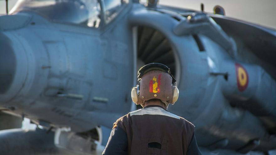 """Personal a bordo del buque """"Juan Carlos I"""" durante el despliegue en Irak."""