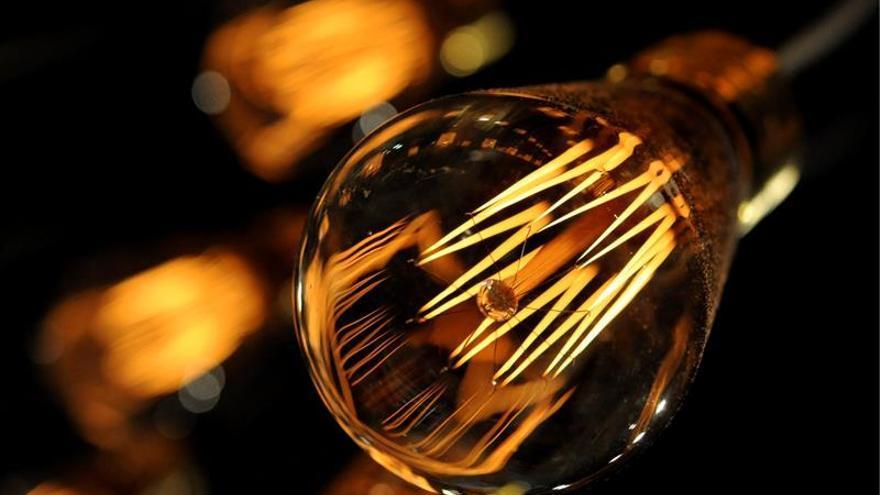 Cuba busca la eficiencia energética con un cambio masivo de luces LED y cocinas