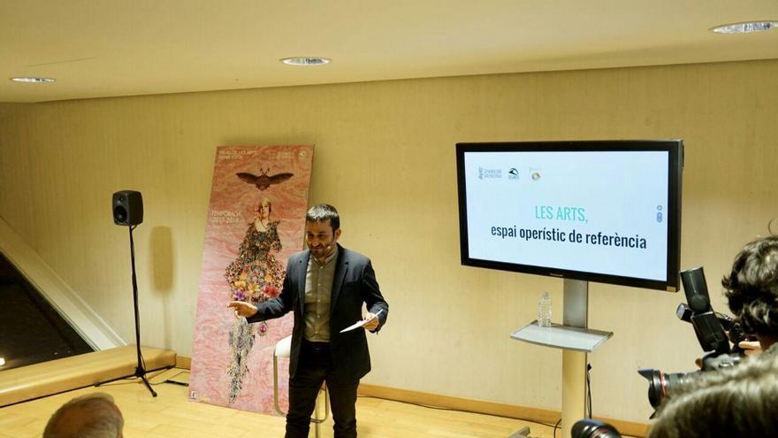 El conseller de Cultura, Vicent Marzà, explica los nuevos estatutos de les Arts