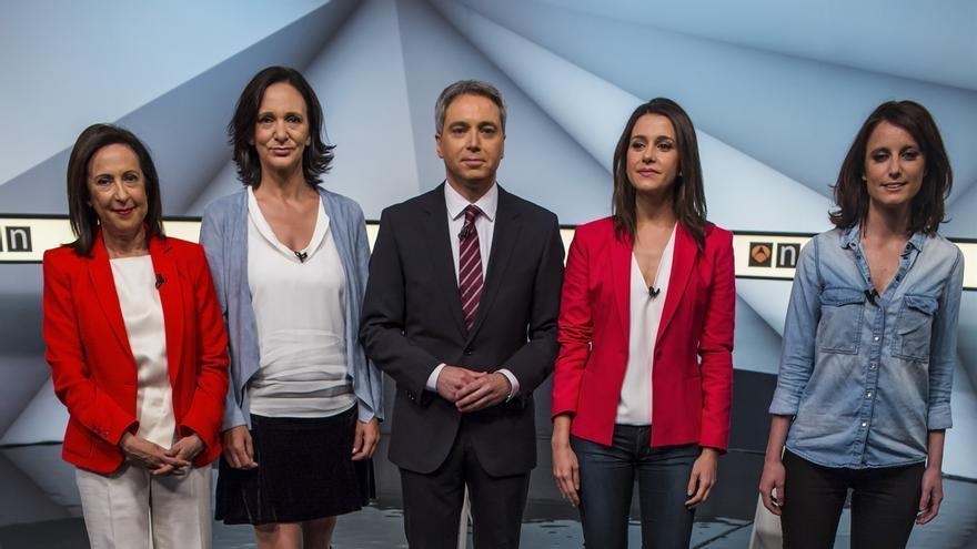 """Podemos insiste en que no renuncia al referéndum en Cataluña y el PSOE recalca que """"no es posible"""""""