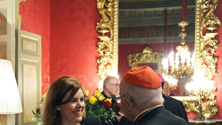 La vicepresidenta del Gobierno junto al presidente de la Conferencia Episcopal, Ricardo Blázquez / EFE
