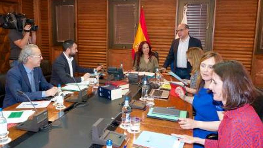 En la imagen, Consejo de Gobierno de Canarias celebrado este lunes, 18 de abril, presidido por Patricia Hernández. Foto: Gobierno de Canarias.
