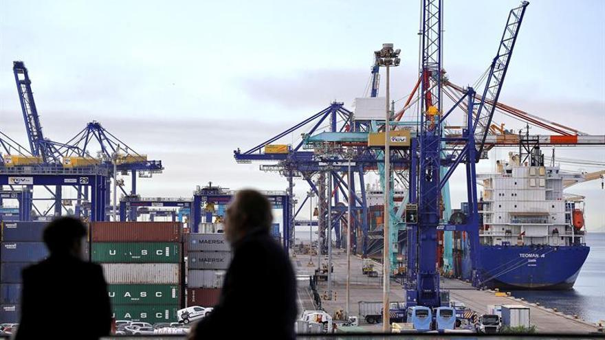 El tráfico portuario roza 326 millones de toneladas hasta julio, un 5,2 % más