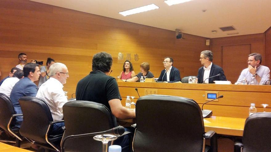 La directora general de àpuntmèdia, Empar Marco, comparece en comisión parlamentaria en las Corts Valencianes