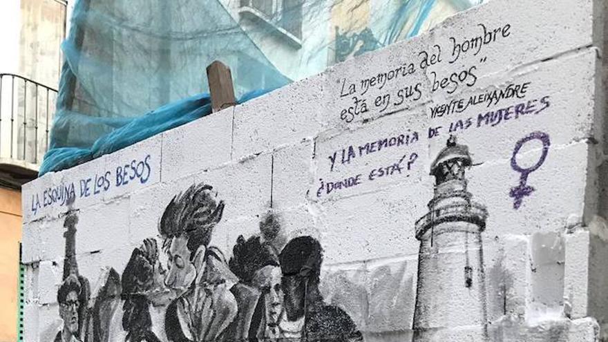 Mural eliminado en Málaga por una crítica feminista | Twitter @LaMálagaModerna