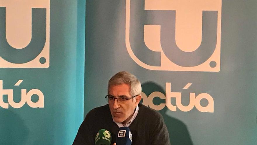 Gaspar Llamazares, durante una rueda de prensa de Actúa.