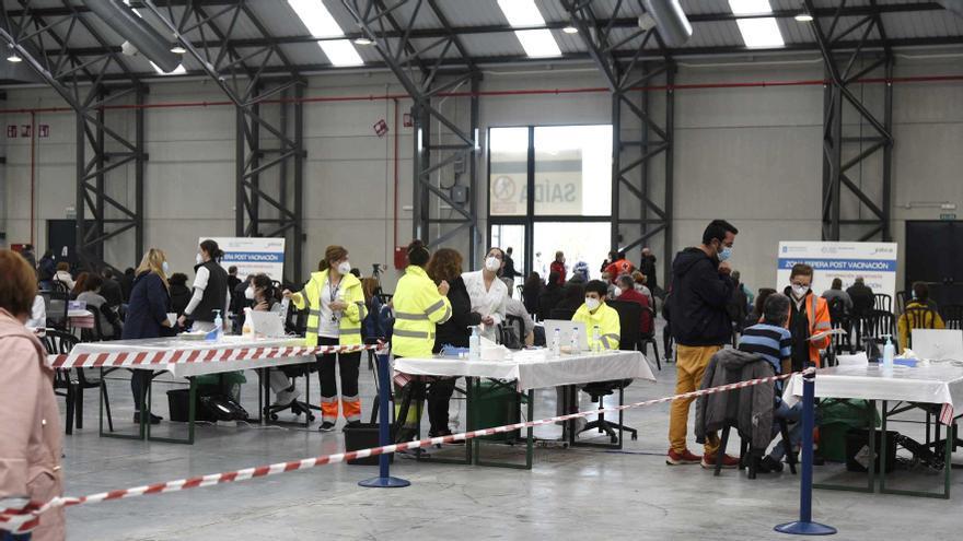 Vista general del centro de vacunación del Instituto Ferial de Vigo (Ifevi)