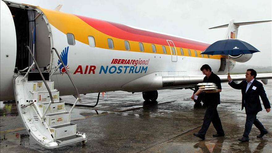 Los pilotos de Air Nostrum votarán en una asamblea la convocatoria de huelga por la rebaja salarial