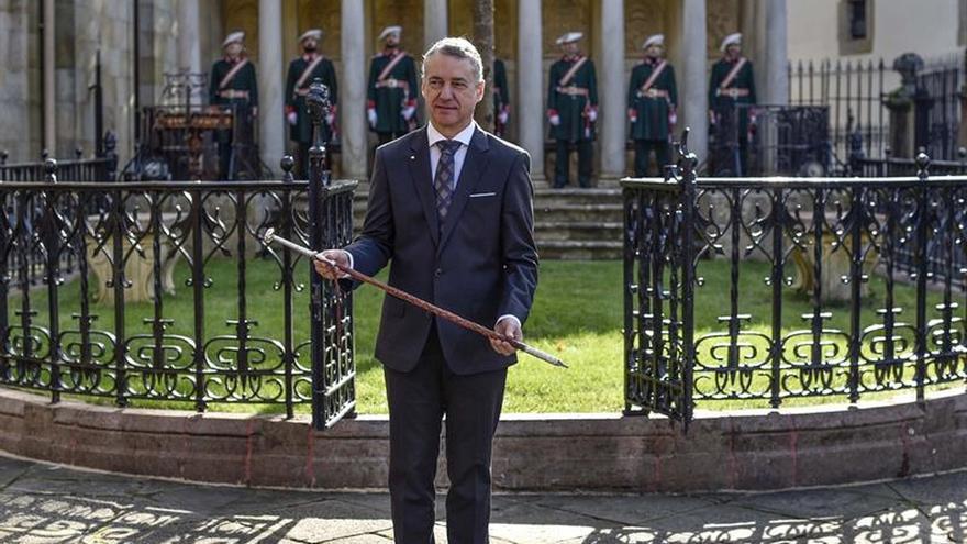 Los consejeros vascos prometen cumplir lealmente la ley al servicio de Euskadi