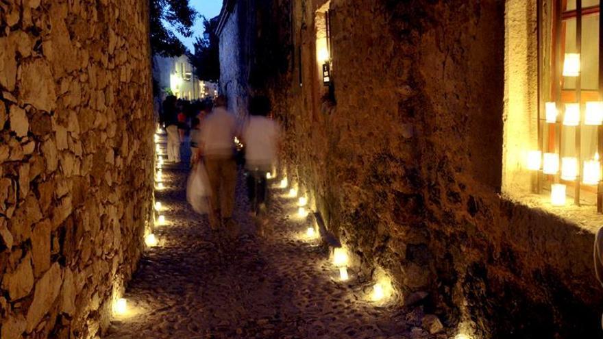 Veinticinco años de conciertos a la luz de las velas en Pedraza (Segovia)