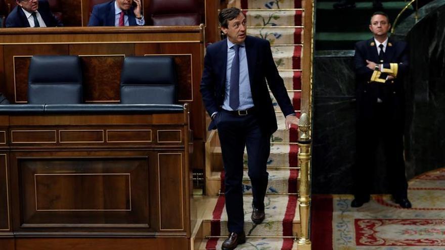 El portavoz del Partido Popular en el Congreso, Rafael Hernando, durante el pleno del Congreso de los Diputados.