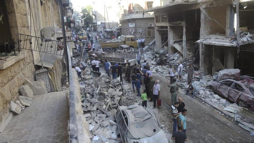 Mueren al menos 16 personas por bombardeos y disparos en Alepo