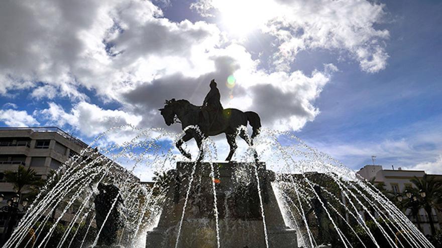 Estatua del dictador Primo de Rivera en la Plaza del Arenal.