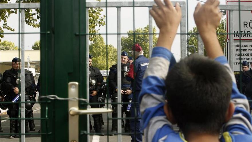 Los primeros refugiados empiezan a desviarse desde Serbia a Croacia