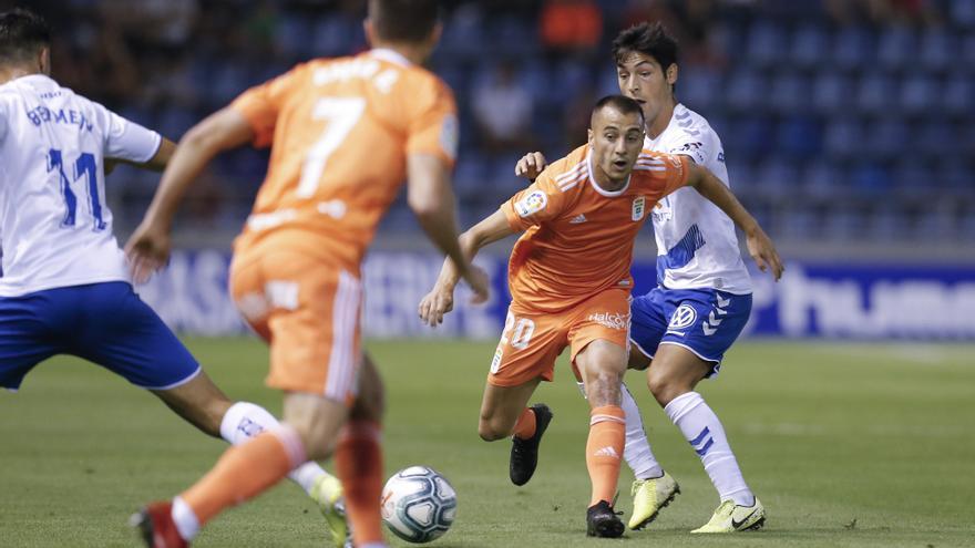 Imagen del Tenerife-Oviedo jugado este miércoles en el Heliodoro.