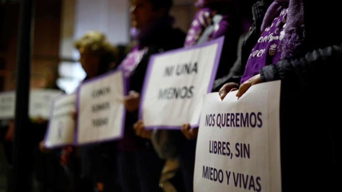 Imagen de archivo de una concentración por violencia machista. EFE