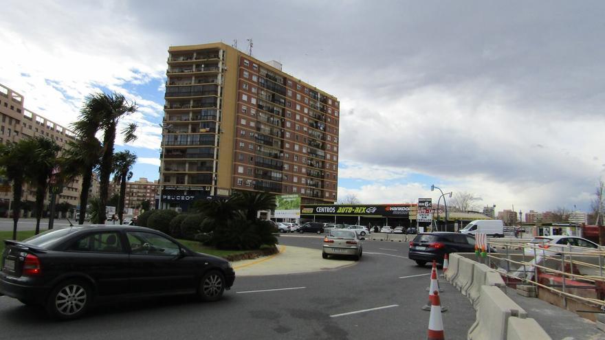Las obras de la nueva rotonda en la plaza Sanchis Guarner