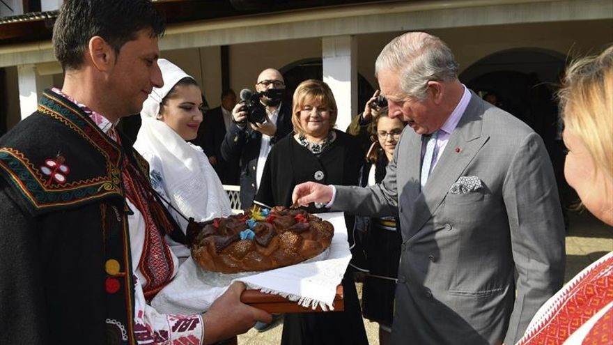 Carlos de Inglaterra inaugura un observatorio de aves en Bucarest