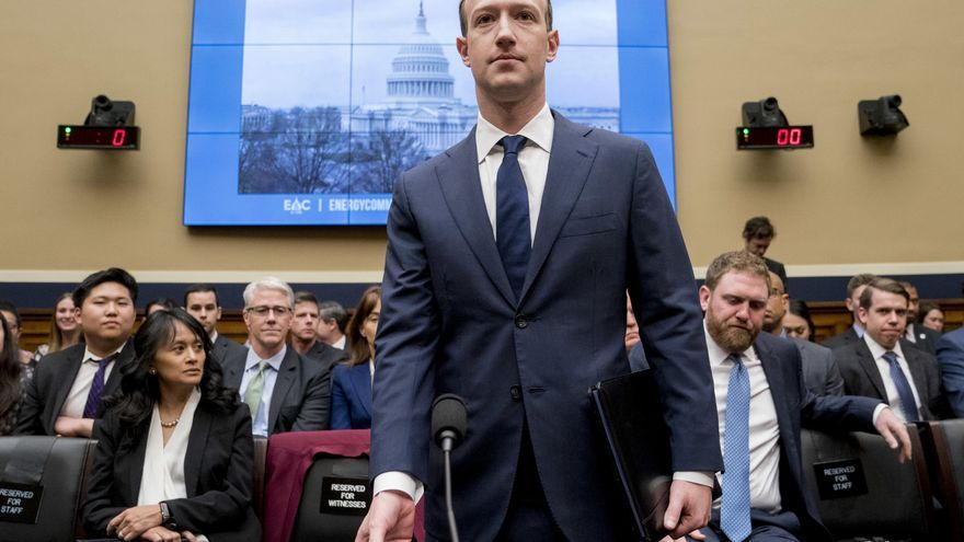 Mark Zuckerberg, fundador y consejero delegado de Facebook, en la Cámara de Representantes de EEUU.