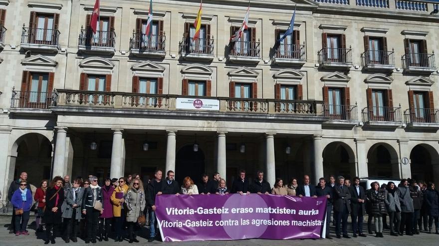 """Urtaran advierte a los agresores machistas que """"no tienen cabida"""" en Vitoria, donde estarán """"encima"""" hasta """"detenerles"""""""