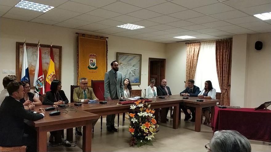 Acto de toma de posesión de Marcos Lorenzo (CC) como alcalde de Tijarafe.