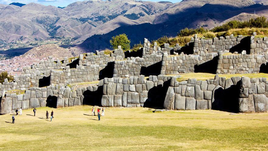 Muros de Sacsayhuaman, ciudadela ceremonial desde la que se domina toda la ciudad de Cusco. VIAHAR AHORA