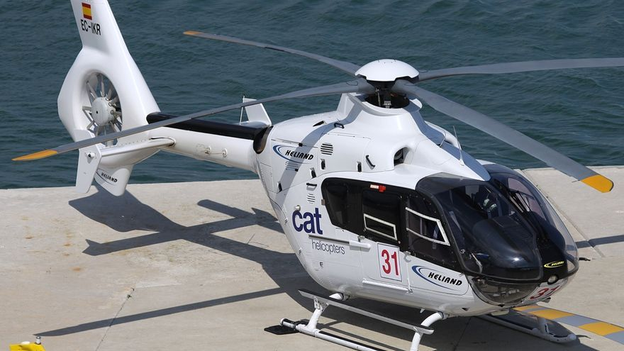 Helicóptero de Heliswis con matrícula EC-IKR en Barcelona