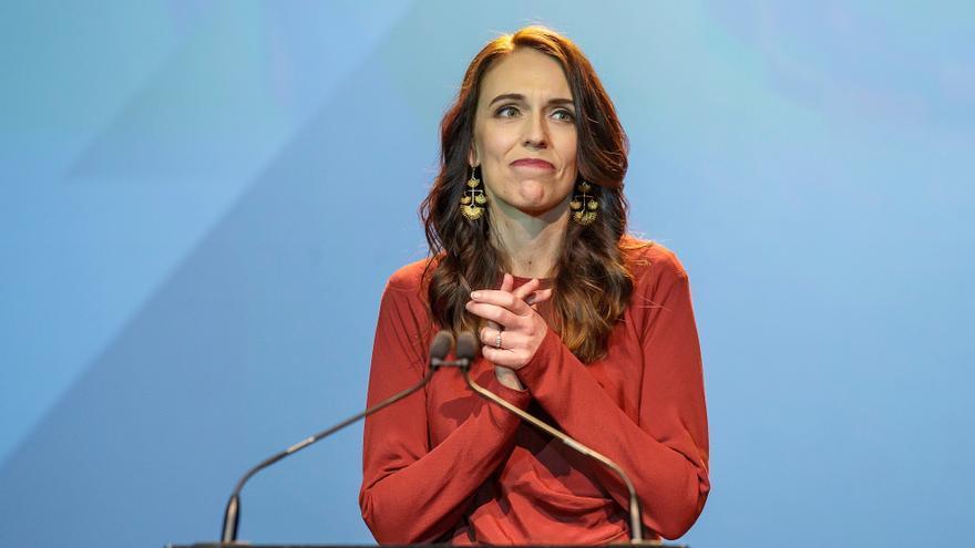 Jacinda Ardern anuncia que se casará con su novio durante el verano austral