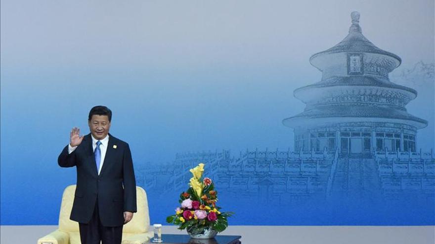 Xi Jinping apoya al líder de Hong Kong y sus esfuerzos por mantener el orden