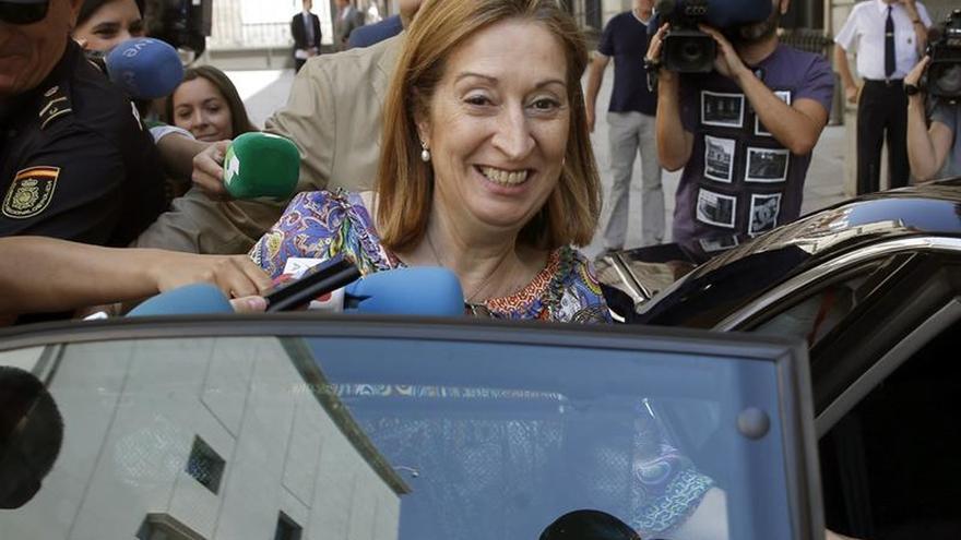 Pastor acude a ver al Rey tras concluir con Rajoy la ronda de consultas