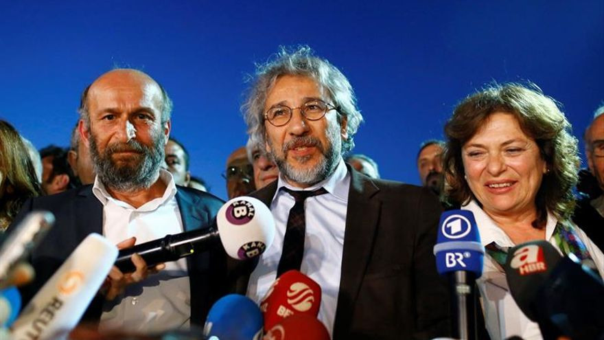 La Federación Europea de Periodistas pide a la UE exigir a Turquía libertad de prensa para pactos