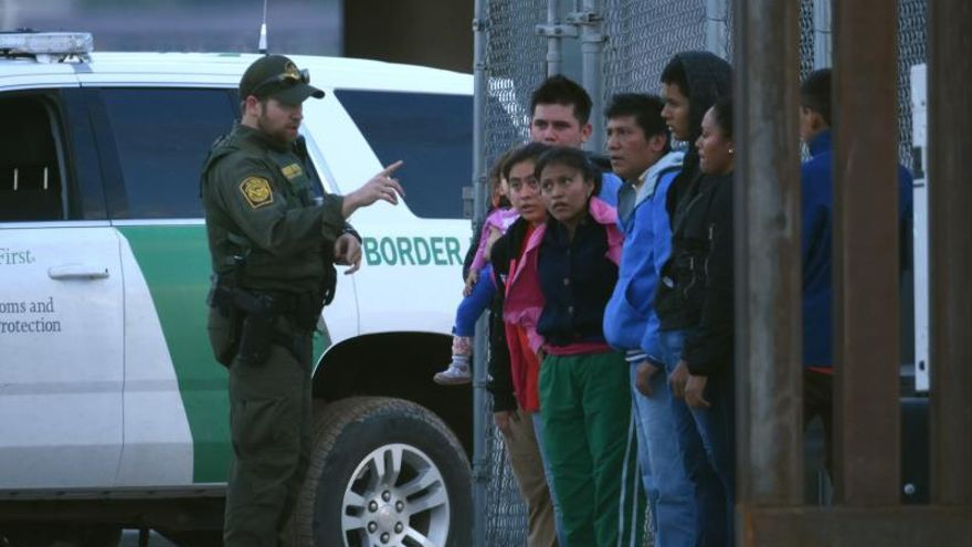 Immigrant detentions down the US border by 30% with Mexico
