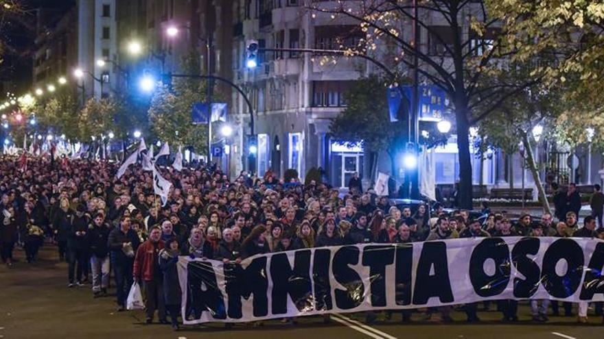 Varios miles de manifestantes piden la amnistía para los presos de ETA