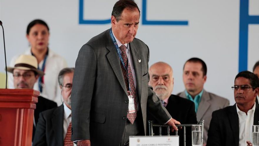 El jefe negociador de Colombia pide esfuerzos para preservar los diálogos con el ELN