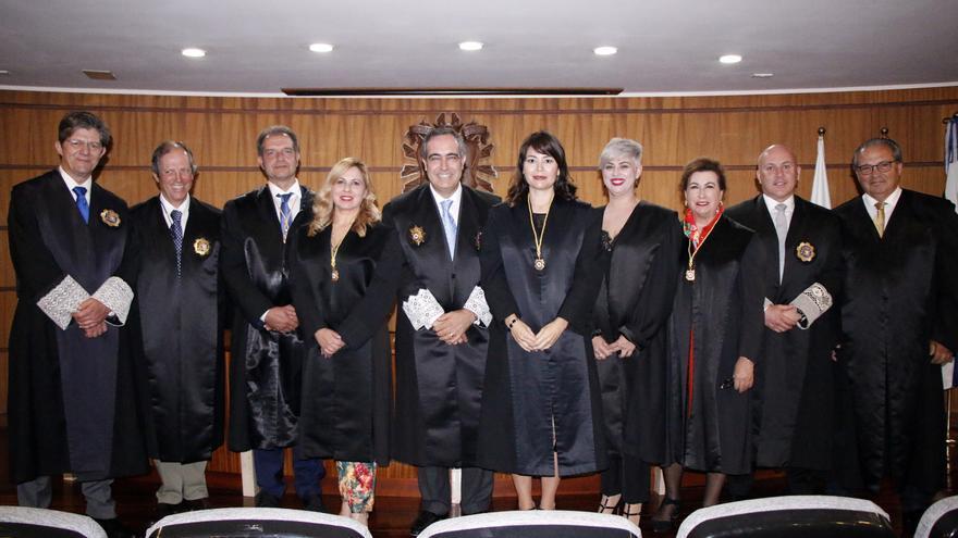 María Palomares es la cuarta por la derecha.