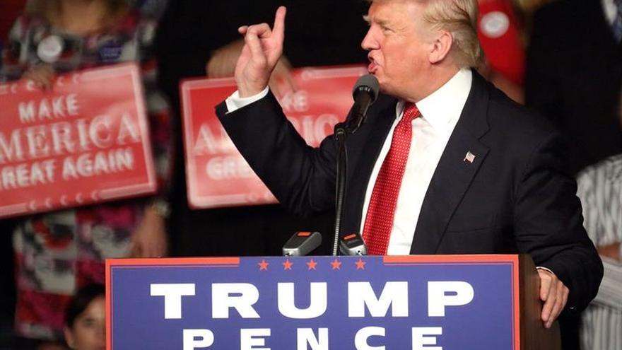 """Trump dice tener una """"mente abierta"""" sobre los acuerdos contra el cambio climático"""