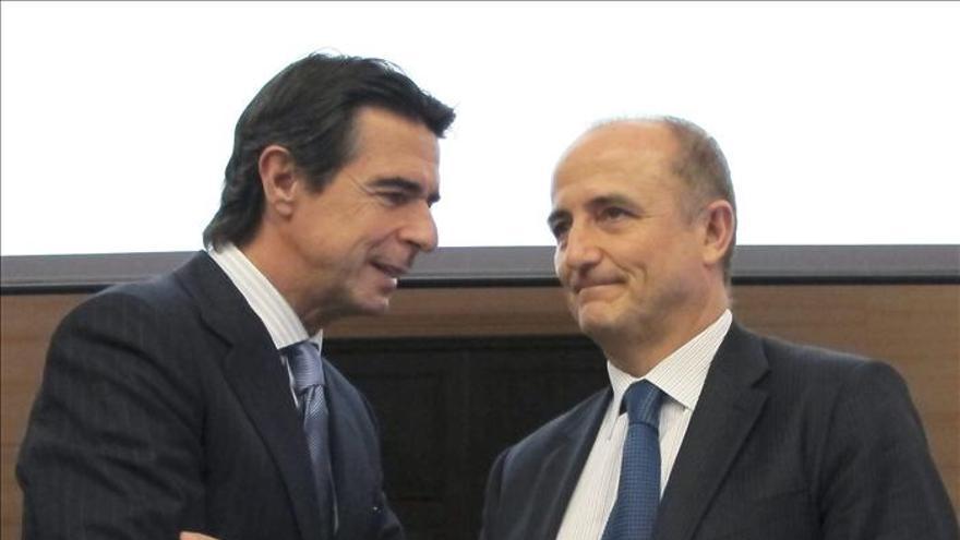 Cuatro ministros de Industria arropan al sector del automóvil