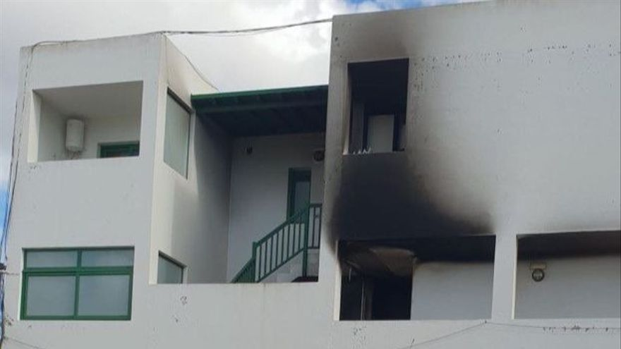 Edificio afectado por el fuego en Yaiza
