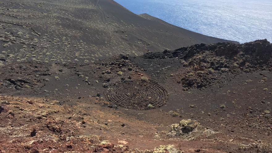 En la imagen, la espiran realizada en el Monumento Natural de los Volcanes de Teneguía.