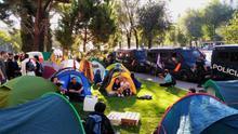Termina la acampada contra la crisis climática tras reunirse con la ministra Teresa Ribera